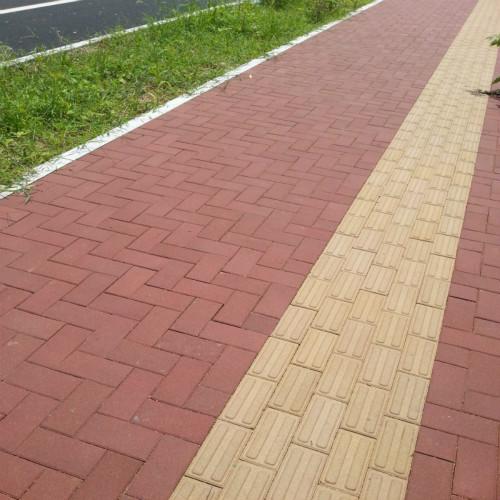 优质渗水砖