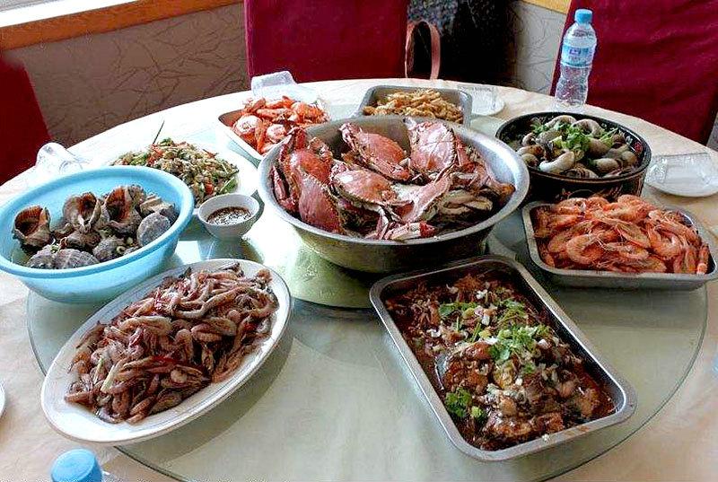游客也可单点,海鲜都是现打捞上来的。