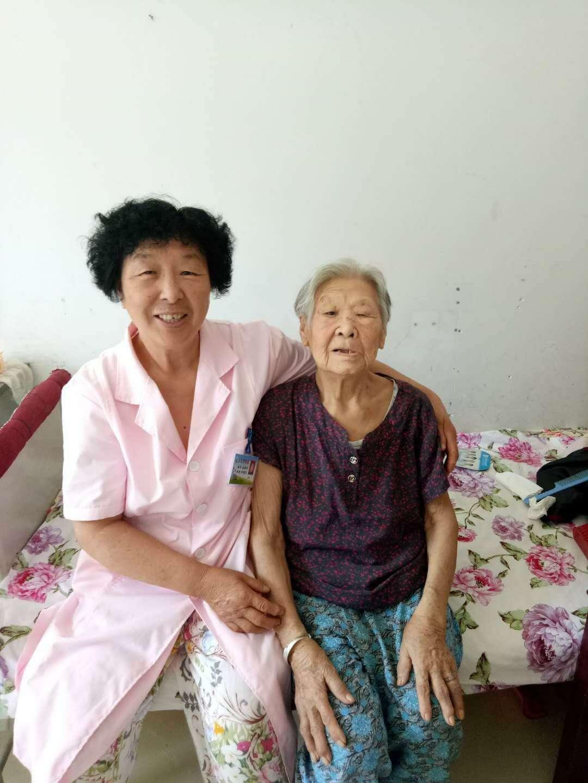 李秀敏大妈和闫淑琴