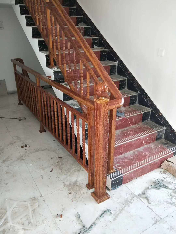 仿木纹铝合金楼梯扶手