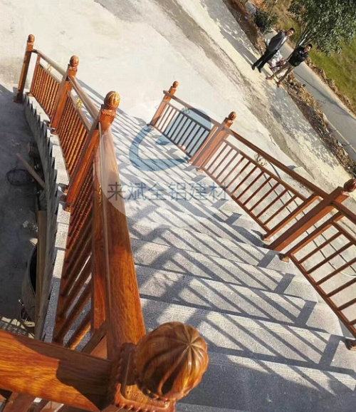 唐山仿实木楼梯