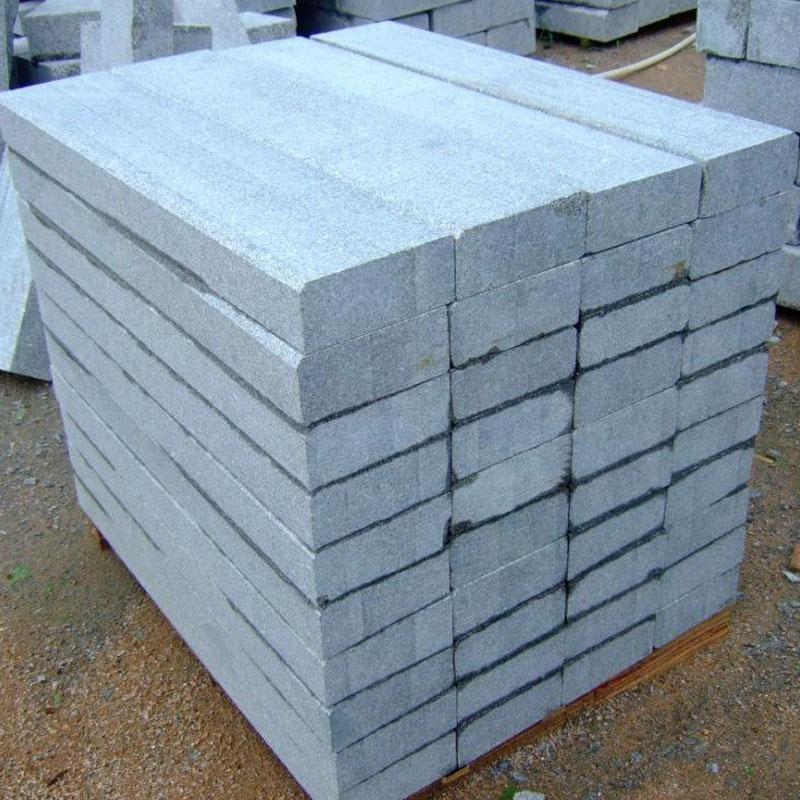 芝麻灰石材路侧石