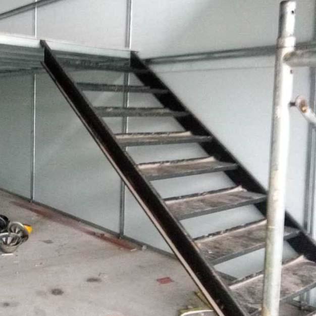 集装箱楼梯,河南铁质楼梯厂家