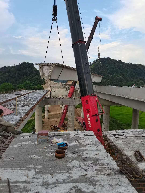 湖南100吨吊车出租