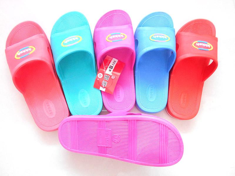 室内拖鞋的几种用材