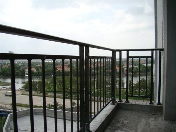 锌钢烤漆围栏