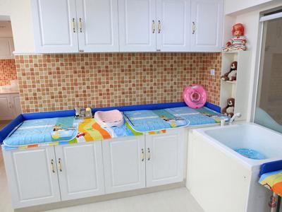 婴儿洗浴室