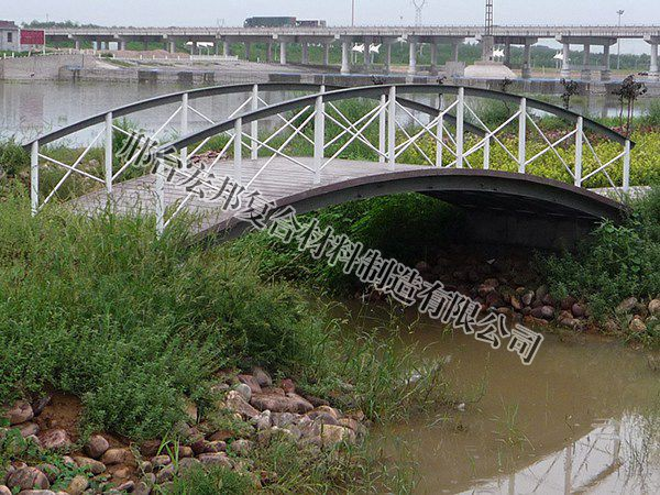 整体玻璃钢拱桥