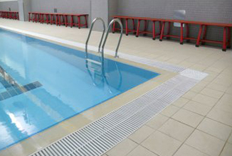 游泳池防滑案例