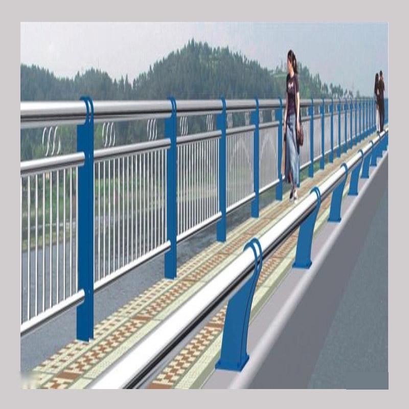仿木不锈钢栏杆如何施工
