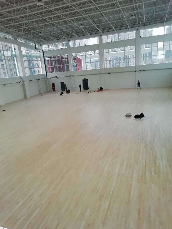 郑州十八中篮球场
