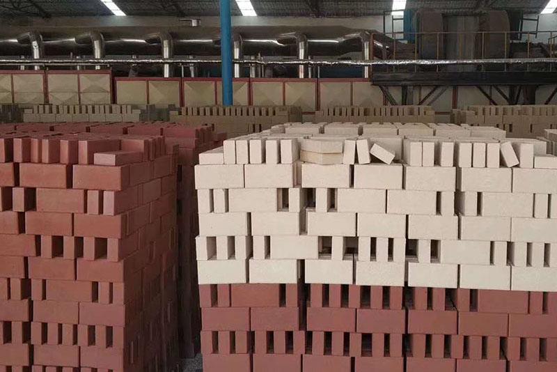 郑州透水砖的面层是什么材料?