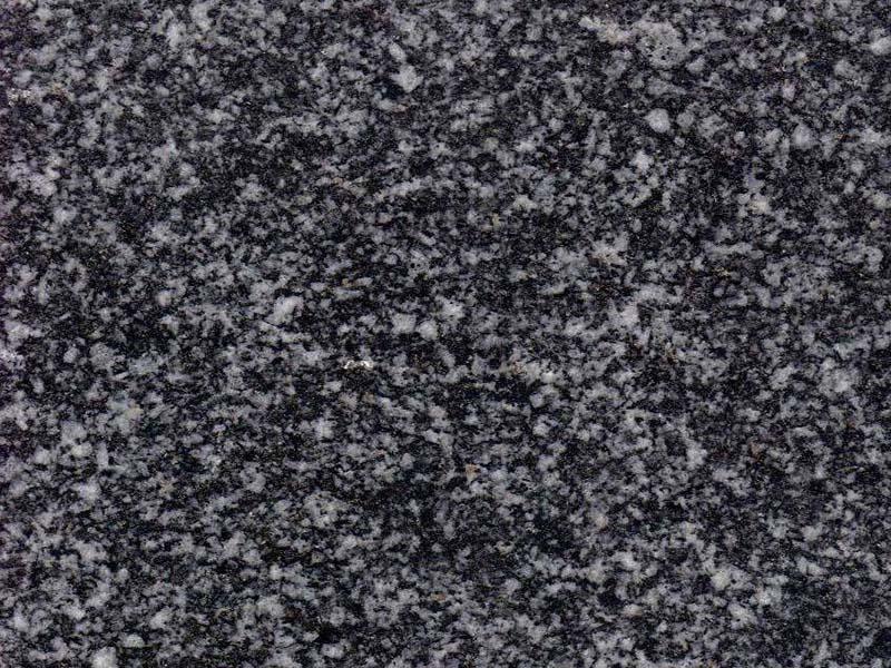 芝麻灰芝麻黑石材要预防火烧板腐蚀