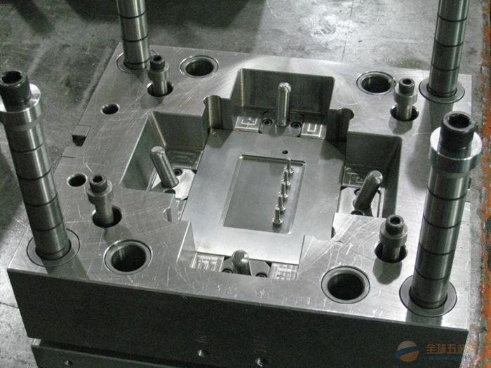 精密机械配件加工、CN