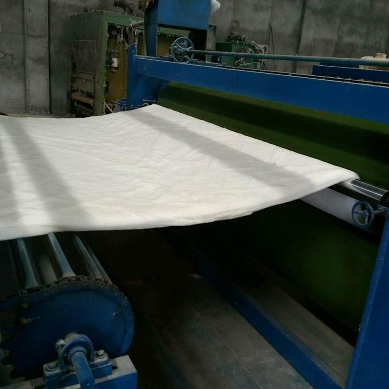 棉花絮片生产中
